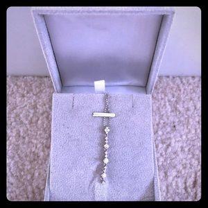 Jewelry - Diamond pendent necklace